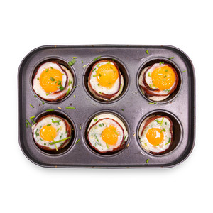 Bacon, Egg, Tomato & Herb Cups