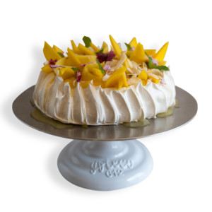 Ultimate Xmas Tropical Pavlova